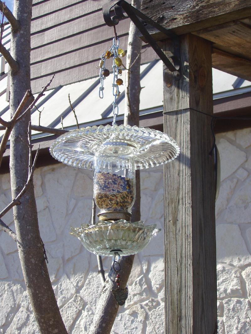 the chandelier bird feeder pjwilson 39 s weblog